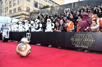 1. Star Wars: The Force Awakens World Premiere
