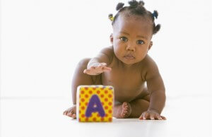 photodune-334710-baby-playing-with-block-xs.jpg