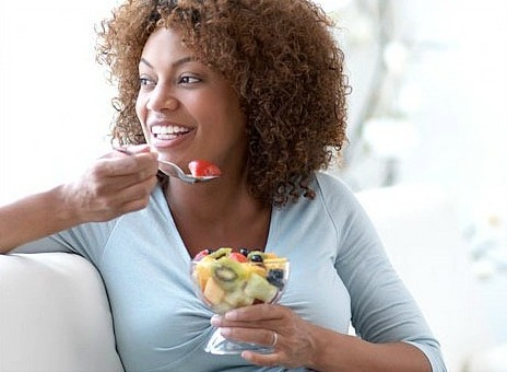 Natural-women-eating-healthy-foods