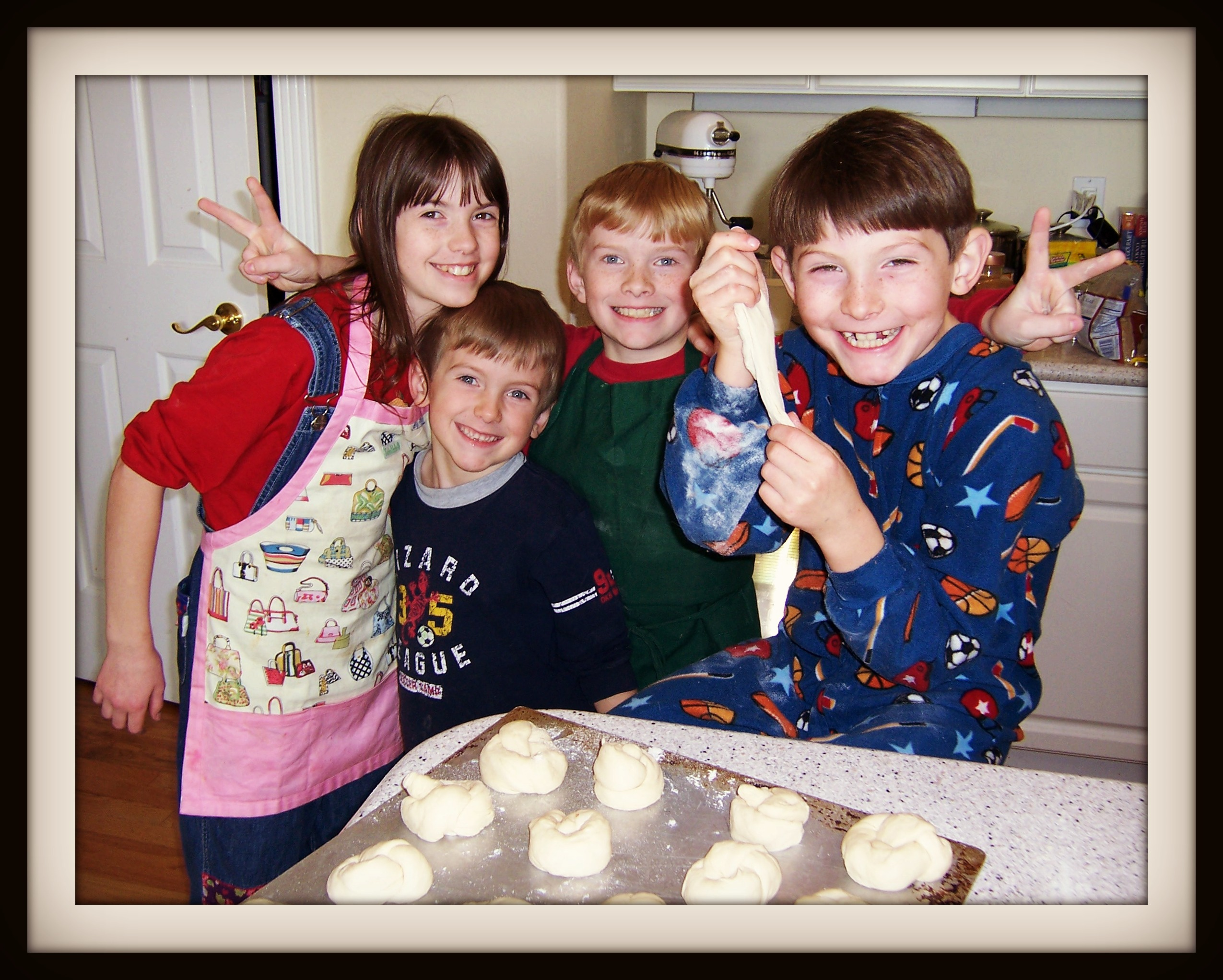 GEM Kids baking